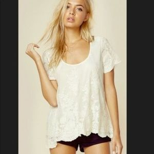 Show Me Your MuMu Short Sleeve Floral Small (AA28)
